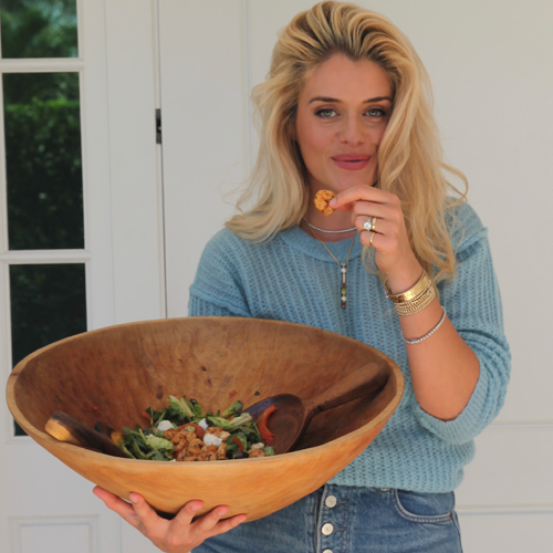 Daphne OzPostsRoasted Shrimp, Red Bell Pepper & Mozzarella Salad